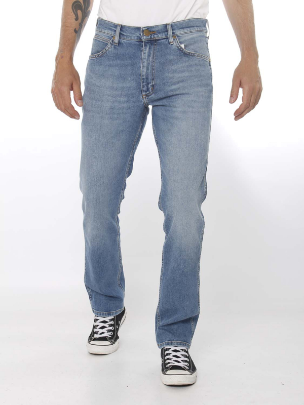 "Wrangler Herren Jeans ""Greensboro mid summer blue Denim"""